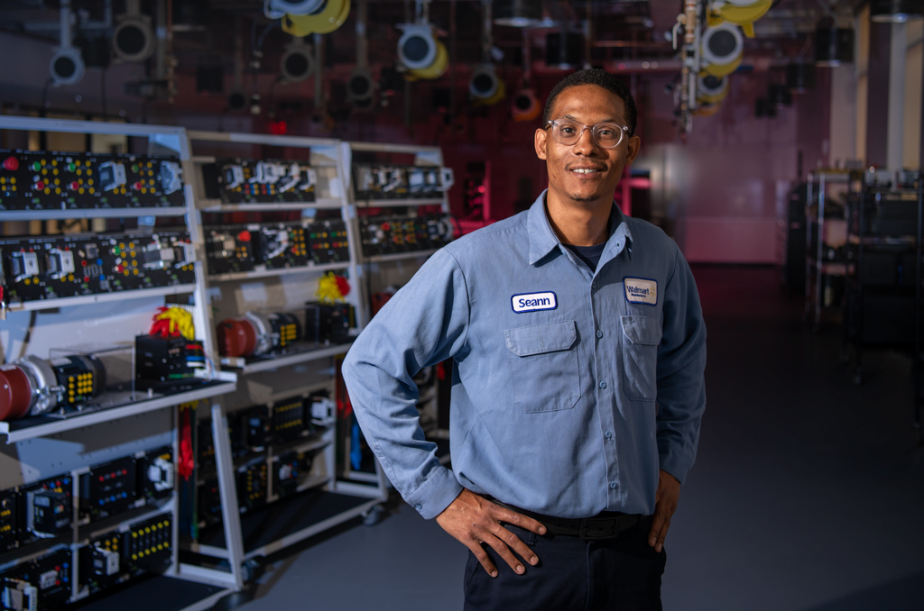 After Six Months of Training, Mechatronics Grad Reboots His Career — and Looks Ahead